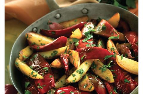 patate-e-peperoni-saltati-in-padella-725x545